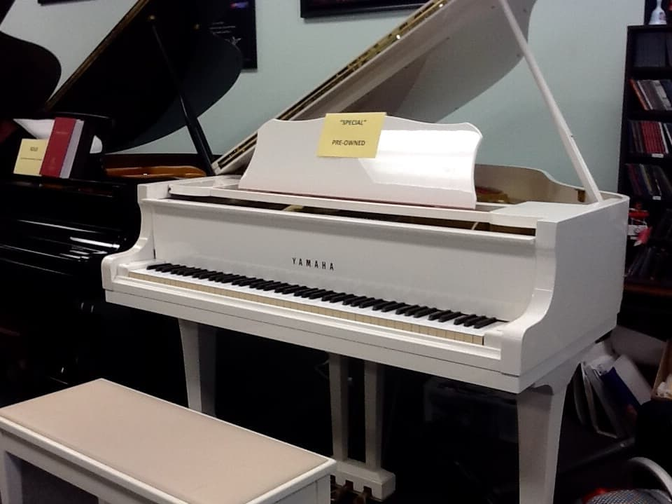 pre owned yamaha g1 white baby grand sorry sold
