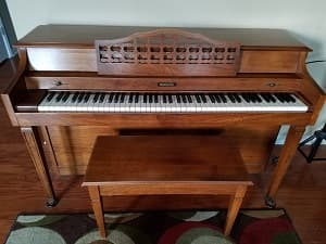 Baldwin Spinet – YEAR END PRICING!