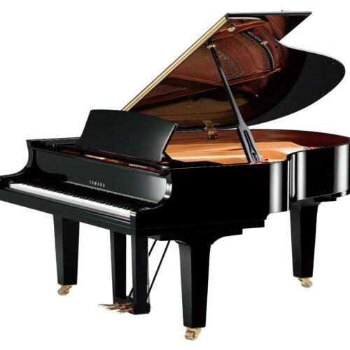 Yamaha C1X Piano