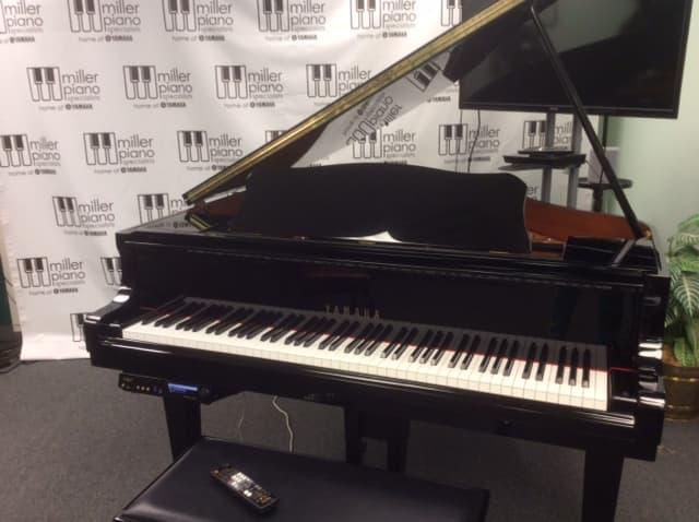 Yamaha DGB1K E3 Piano
