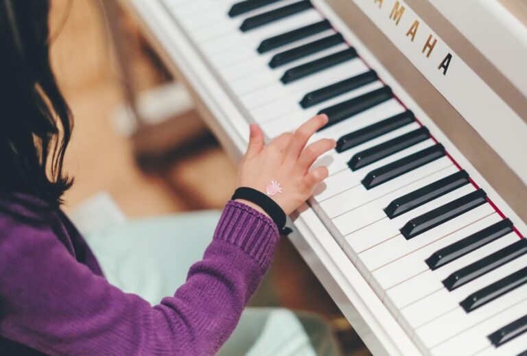 What Kind of Piano Should A Beginner Buy?